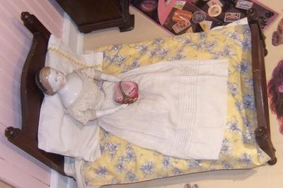 Doll Bed With 'mattress,' Comforter, Quilt, 2 Pillows And 2 Sheets  (8 Pcs.)