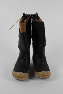 Boots (1 Pr.)