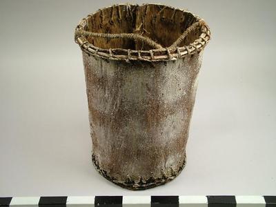 Bucket, Bark