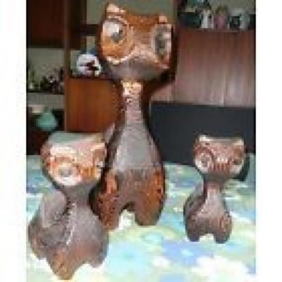 WITCO Carved Wood Cat Sculpture Family