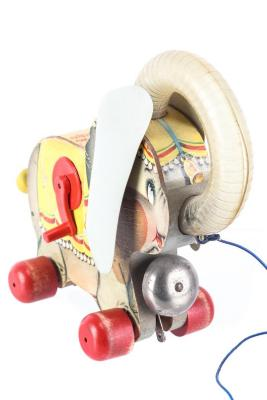 Juggling Jumbo Pull Toy