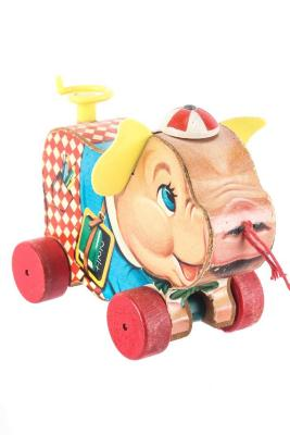 Peter Pig Pull Toy