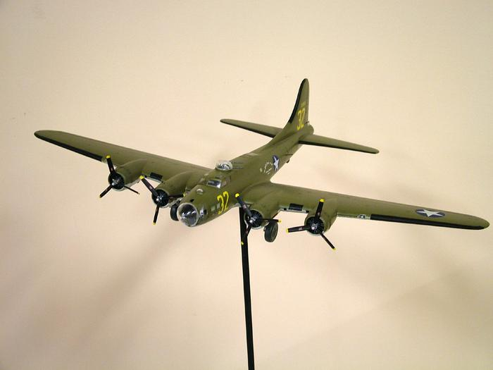 Model Airplane, B-17 Flying Fortress, Spirit Of South High