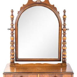 Vanity Mirror Stand