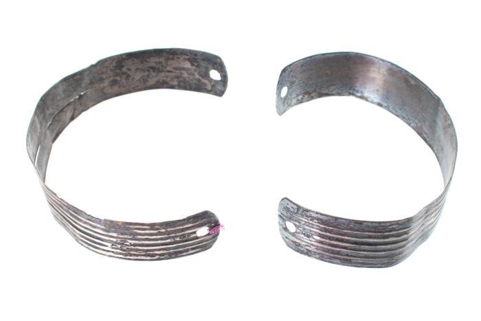 Armbands (2)