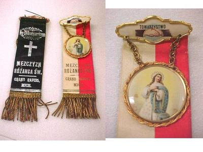 Mezczyzn Rozanca Sw, Men's Holy Rosary Society, Grand Rapids, Mich. Ribbon Badge Pins, 2,  Polish American Archival Collection #127