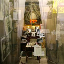 Altar Y Ofrenda, Memory Altar