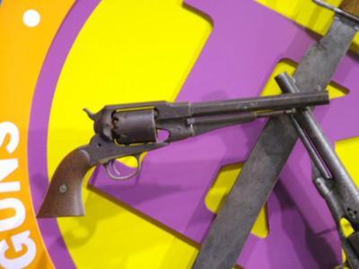Revolver (colt Army Percussion Revolver)