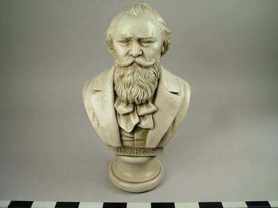 Bust, Brahms