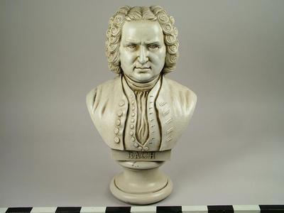 Bust, Bach