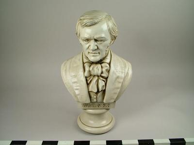 Bust, Wagner