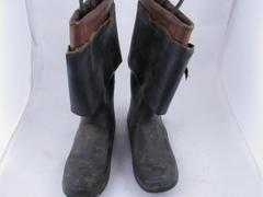 Boots (2)