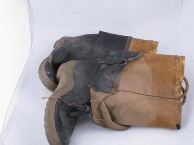 Boots (pr.)