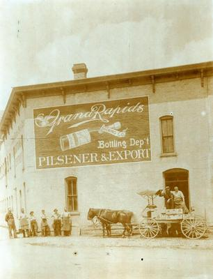 Photograph, Grand Rapids Brewing Company Bottling Department
