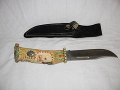 Buck Knife, fixed blade- Santa and Bear Desiign