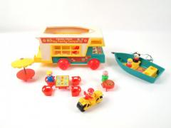 Fisher Price Play Family Camper Set