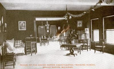 Postcard, Rooms of the Grand Rapids Kindergarten Training School