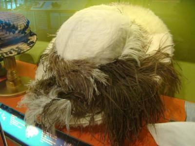 Hat, Woman's White Fur With Feathers
