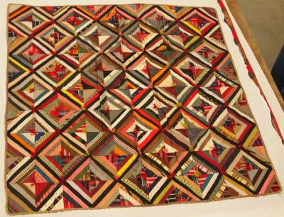 Pieced And Tied Quilt, Log Cabin Variation