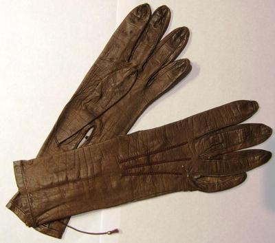 Gloves (pr.)