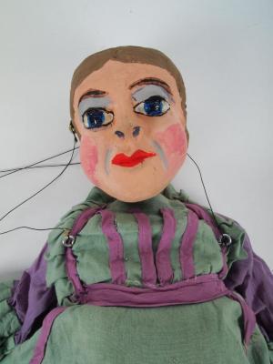 Marionette, Woman