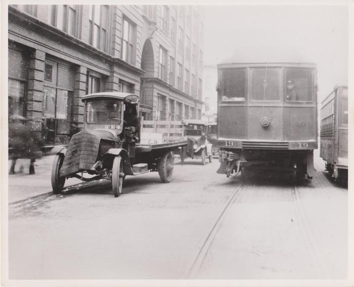 Photograph, Grand Rapids Street Scene, Ottawa Avenue near Pearl Street
