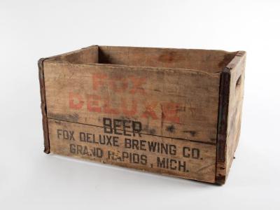 Crate, Fox Deluxe Beer